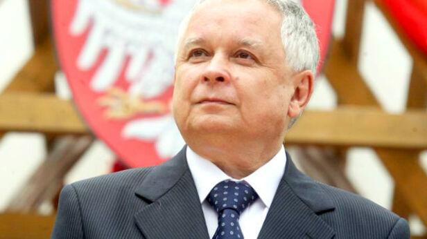 Lech Kaczyński był doktorem habilitowanym nauk prawnych www.prezydent.pl/wikipedia
