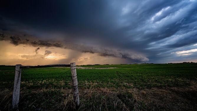 Pogoda na dziś: pochmurno i deszczowo. Miejscami zagrzmi