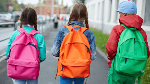 """Ekspert: szkoły są """"złośliwymi ogniskami"""" koronawirusa"""